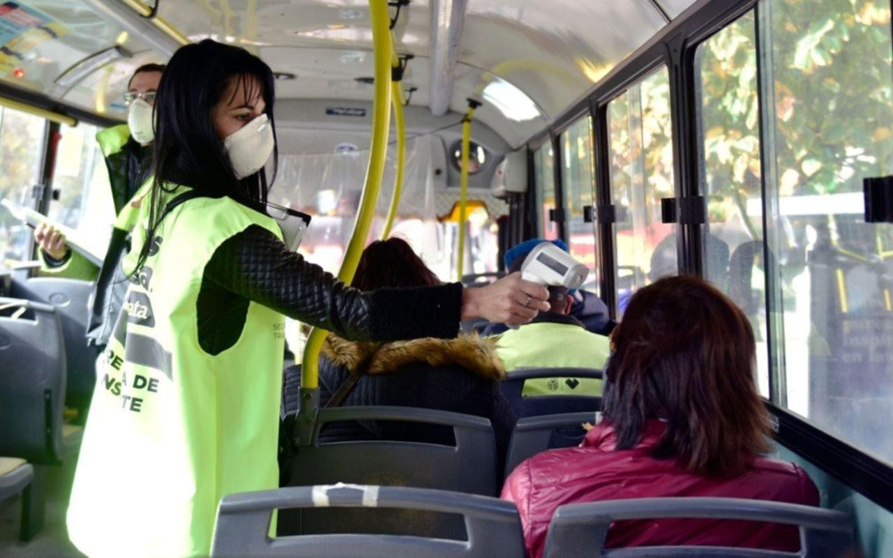 Buscan reducir un 30% la circulación en el transporte público del AMBA