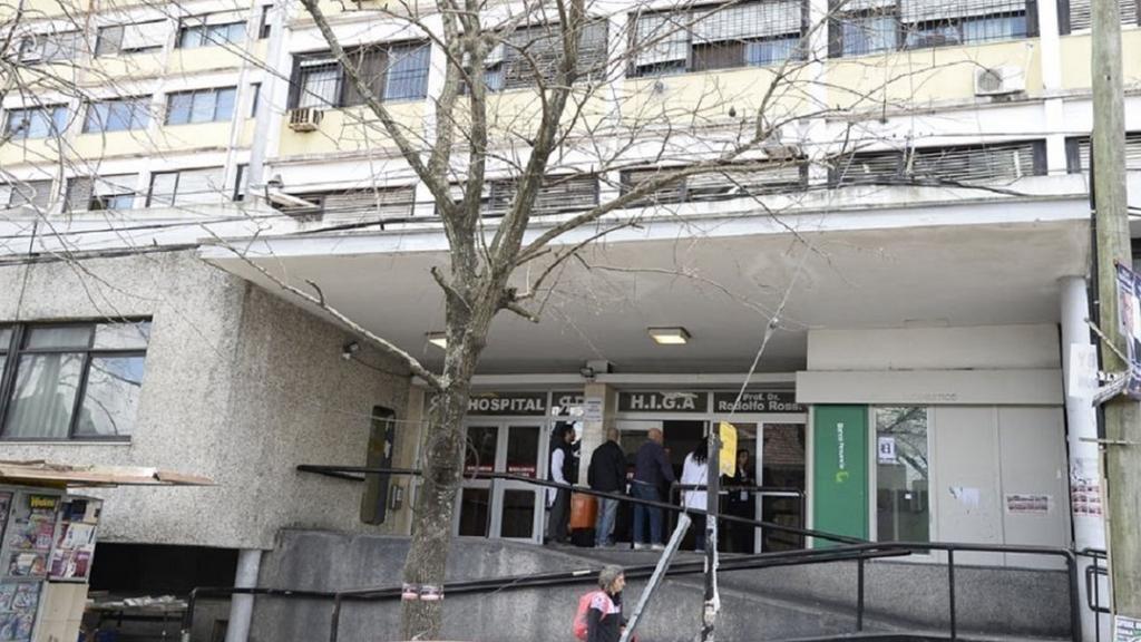 Aíslan a 29 trabajadores del Rossi por estar en contacto con un paciente con COVID-19