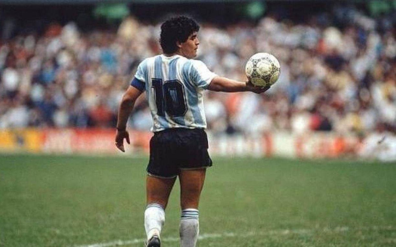 """""""La 10 siempre va a ser mía"""", se descargó Maradona"""