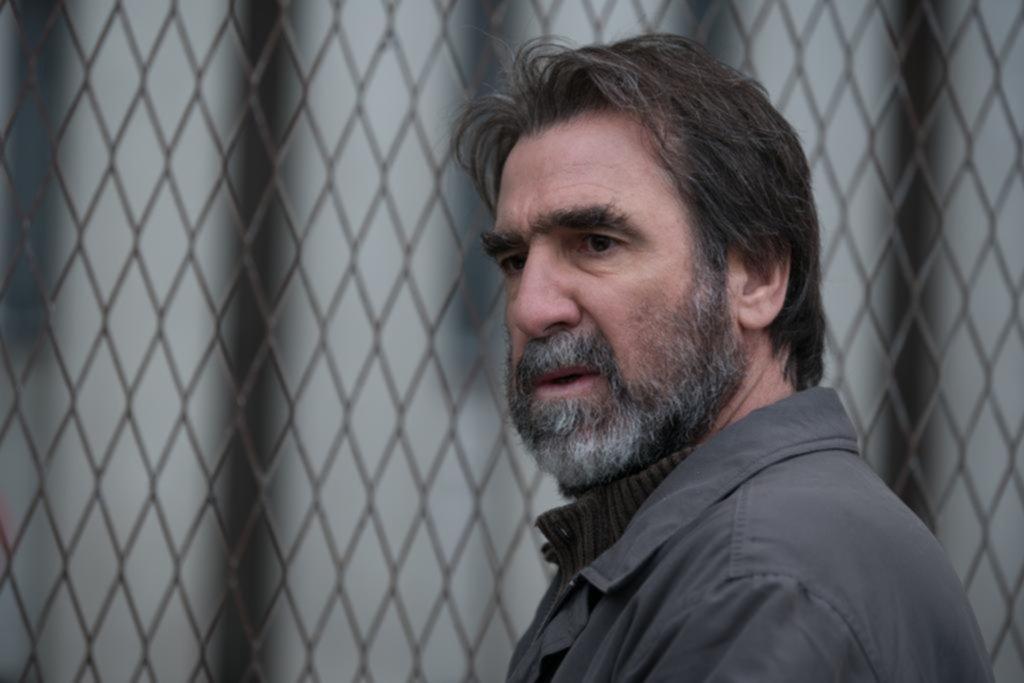 Éric Cantona: el indomable del fútbol que llevó su magnetismo a la pantalla