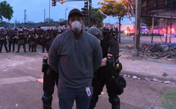 Estados Unidos: arrestaron a un equipo de CNN mientras cubría los disturbios en Minneapolis