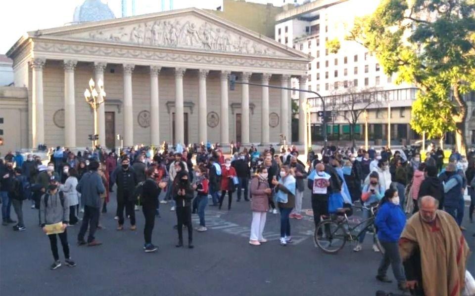 """Contra la cuarentena: convocan en las redes a la """"Caravana por la Libertad"""" en varias ciudades"""