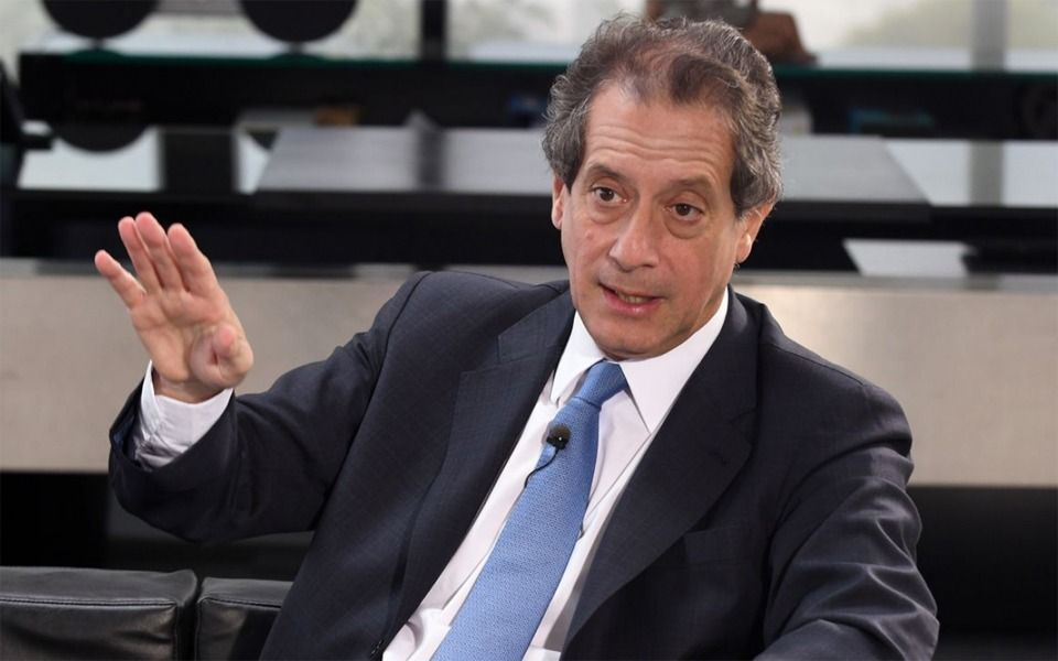 El presidente del BCRA aseguró que se podrán aliviar el cepo si hay un acuerdo por la deuda