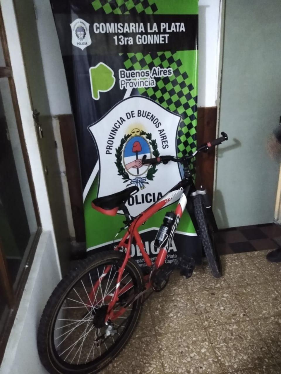 Robaban bicicletas en La Plata, pactaban la venta por Facebook y las entregaban en un local céntrico