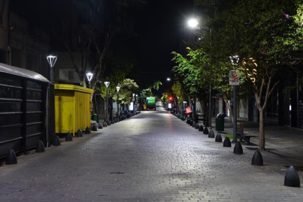 La Plata en imágenes: el silencio de la noche