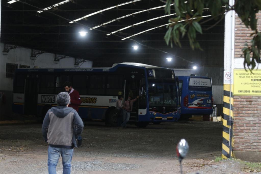 Inquietud de colectiveros por otro robo con tiros en La Plata