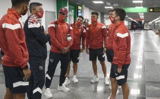 Luego de las penurias que pasó el Rojo, se postergó el partido en Brasil