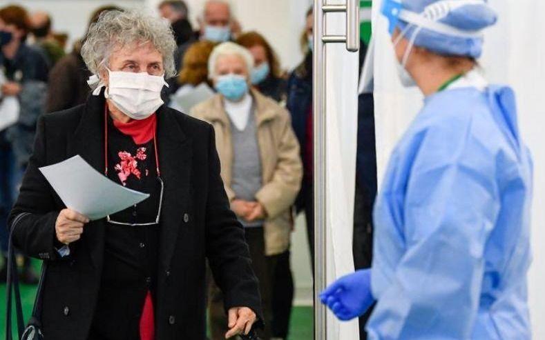 La OMS admitió que el coronavirus se transmite por el aire
