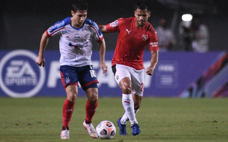 Independiente se trajo un empate bajo la lluvia y el viaje de la odisea a Brasil
