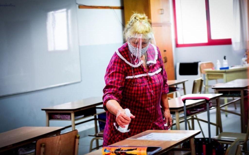 Cómo es el sistema por el que los alumnos pueden ir a la escuela con las clases presenciales suspendidas