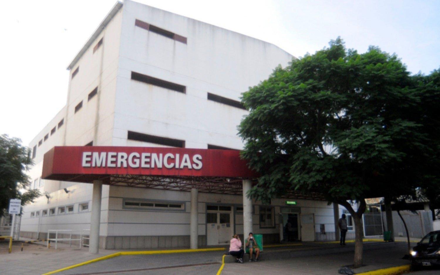 Un hospital de Bahía Blanca tiene una ocupación del 120%: pacientes COVID esperan en la Guardia