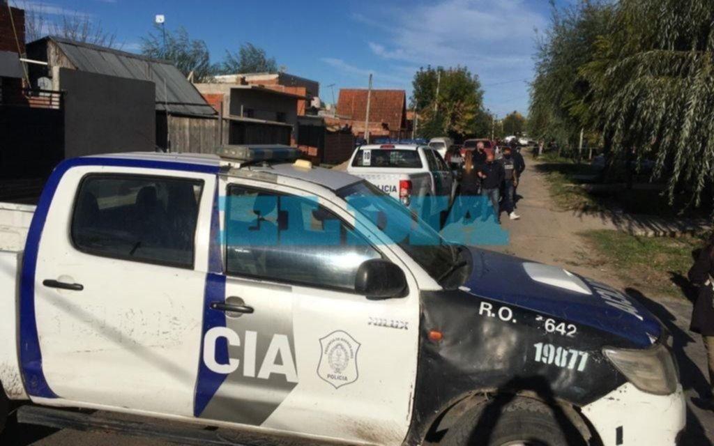 Doble crimen y suicidio en Los Hornos: un policía mató a una mujer, a una trans y luego se quitó la vida