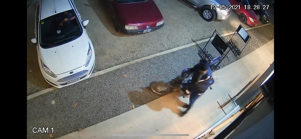 City Bell: robaron en un salón de fiestas y tienen en jaque a los negocios de una cuadra