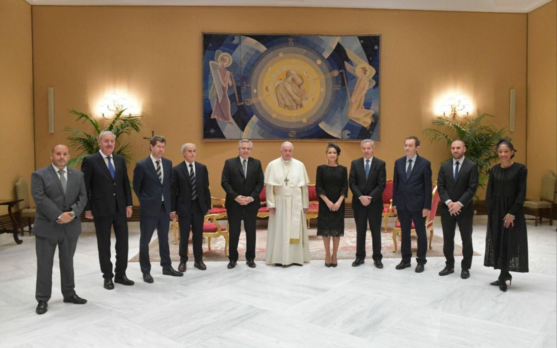 A. Fernández y el Papa Francisco, a solas 25 minutos en el Vaticano: intimidad del encuentro