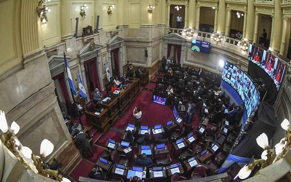 El Senado avaló el decreto presidencial que suspendió las clases presenciales