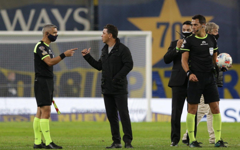 """Gallardo: """"En el gol de Tevez hubo un gravísimo error de todos los árbitros"""""""