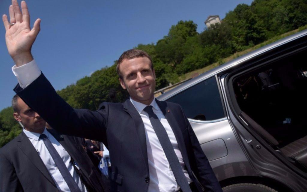 Macron logró la mayoría absoluta en la Asamblea Nacional