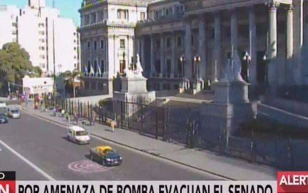 Evacuaron el Senado por una amenaza de bomba