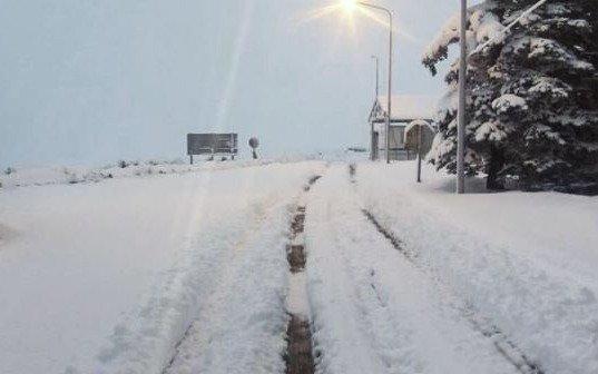 La ola de frío polar castiga a Neuquén y mantiene varias rutas intransitables