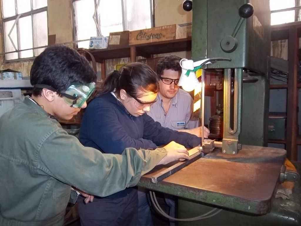 Una escuela modelo de la región depende de aportes voluntarios