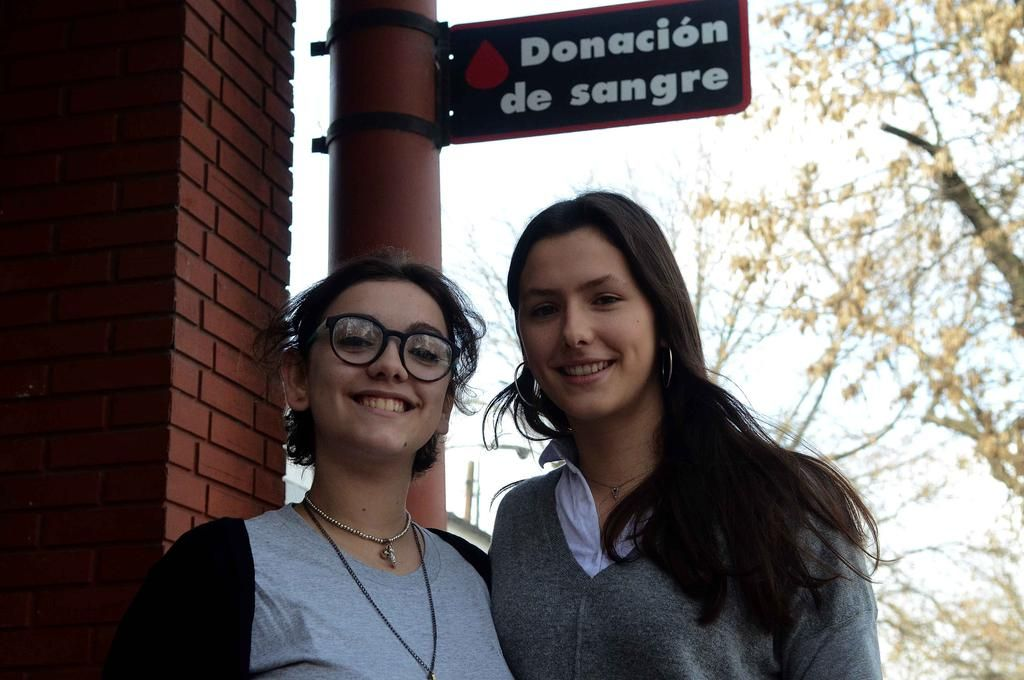 El ejemplo de dos voluntarias platenses, las más jóvenes de la Ciudad