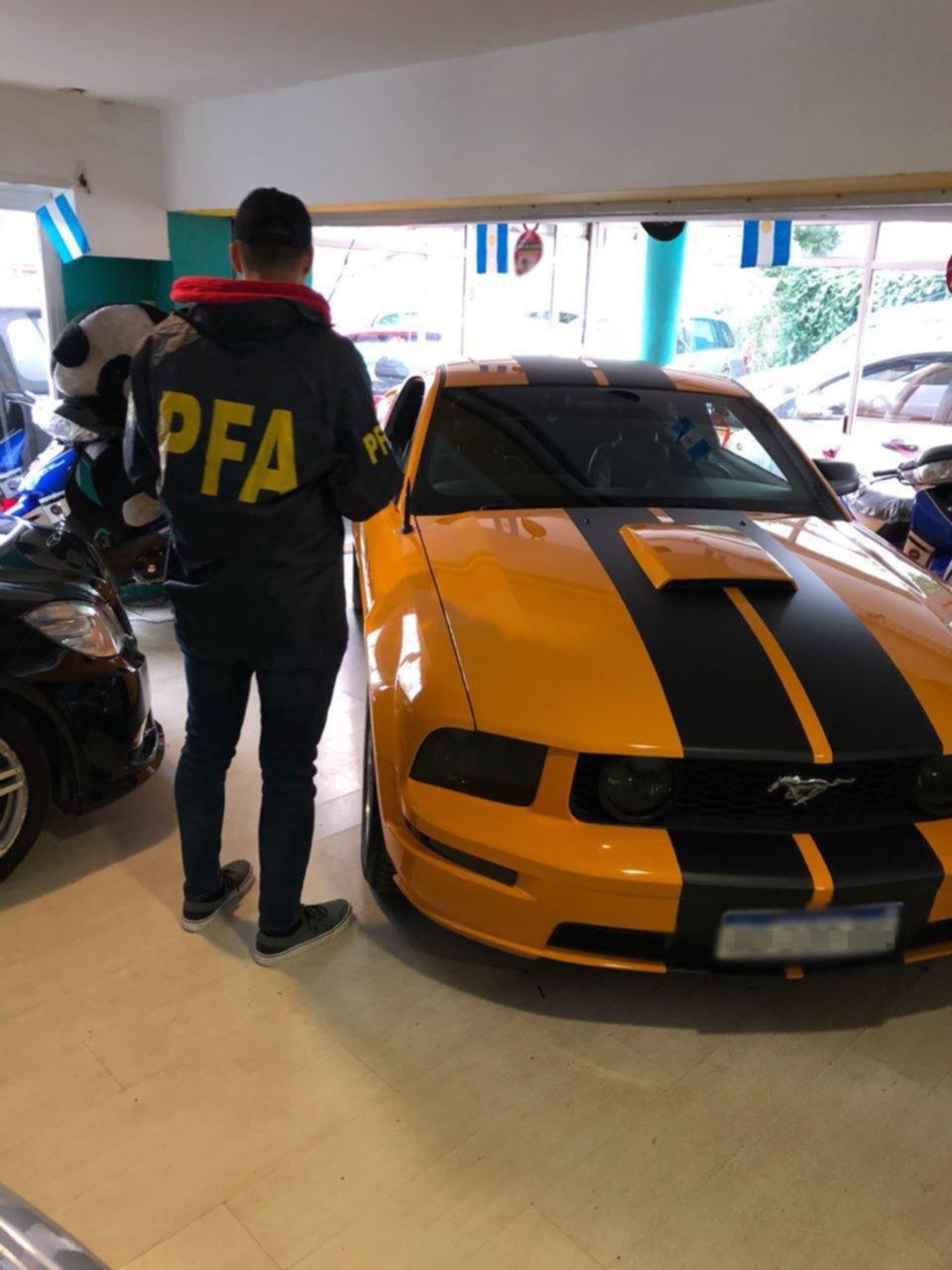 Detectan contrabando de autos de lujo, valuados en 7 millones