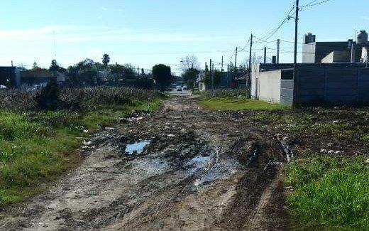 Más denuncias por calles intransitables en una zona de Villa Elvira