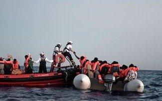 Francia e Italia mejoran relaciones tras la crisis por el barco con migrantes