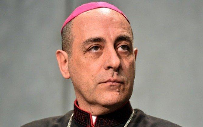 """El nuevo Arzobispo local sobre el aborto: """"Cansa ya tanta politiquería barata"""""""