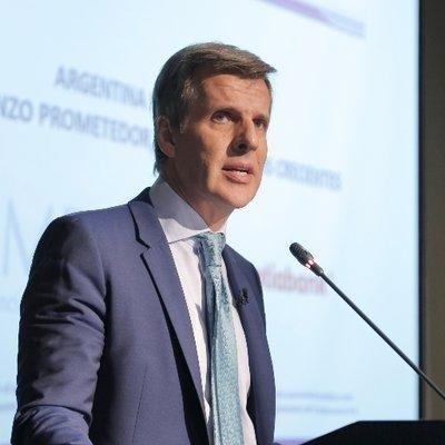 """""""Abre oportunidades de financiamiento al sector privado. Aprovechémoslo"""".Martín Redrado @martinredrado"""
