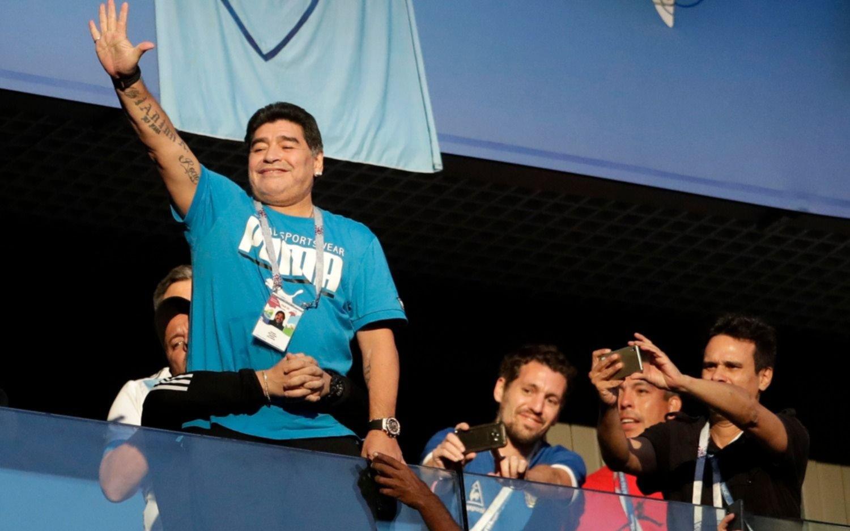 Maradona habló y dijo que está bien — Alivio