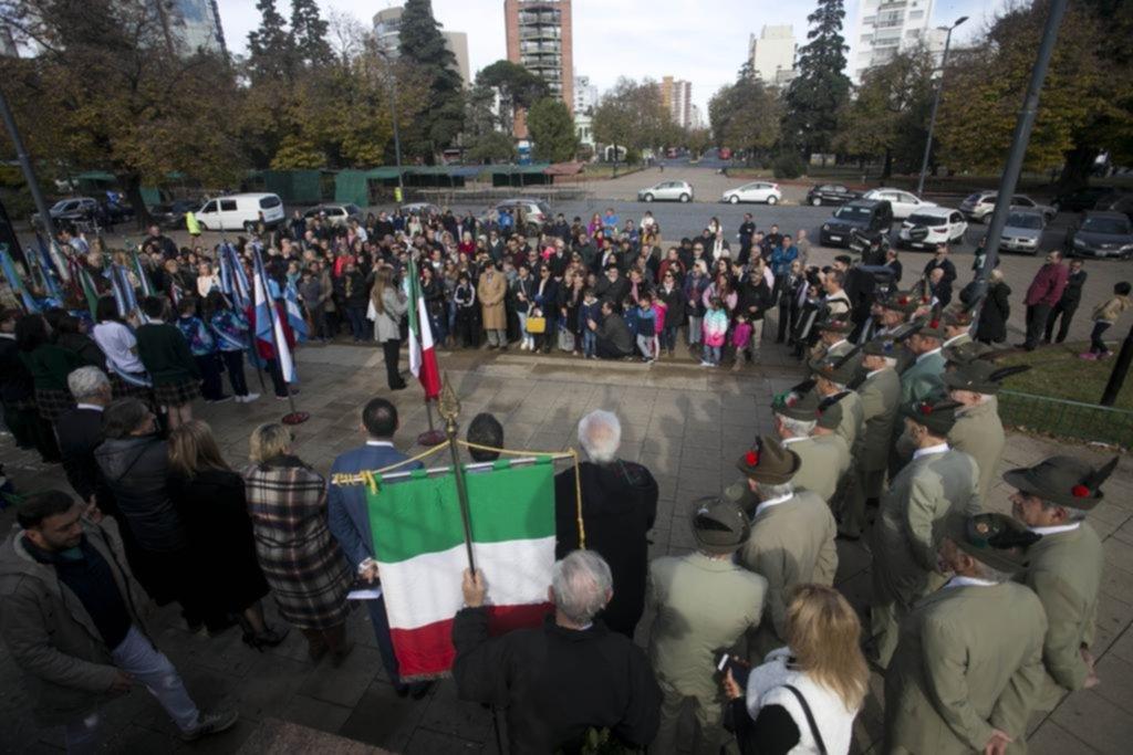 Conmemoran en Italia aniversario 73 de la República