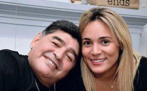 "Rocío Oliva se peleó ""a las piñas"" con la hermana de Maradona"
