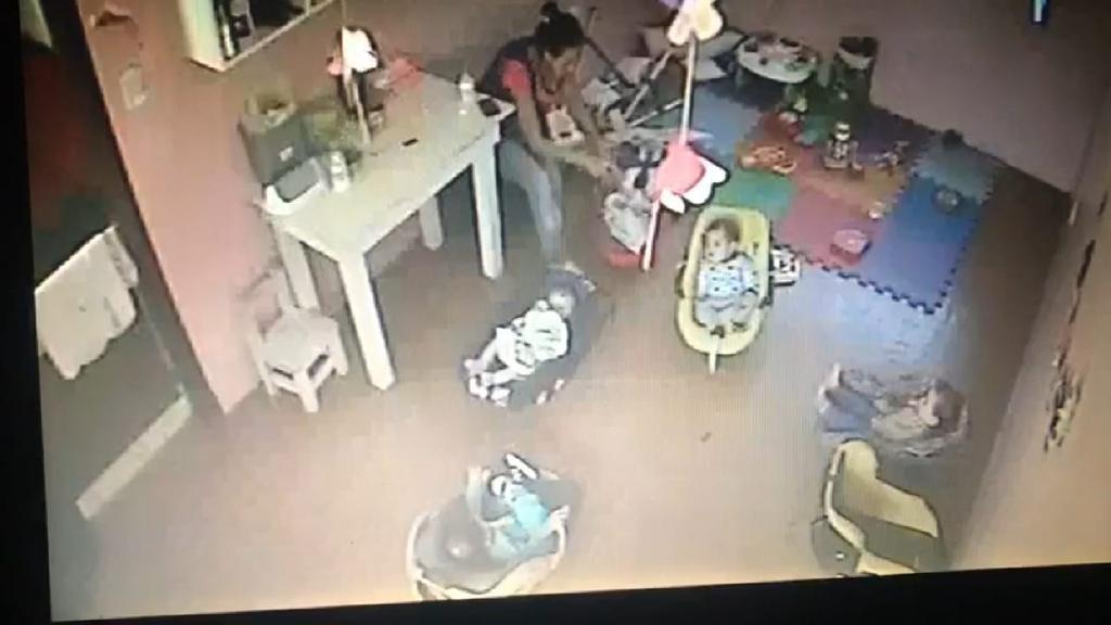 Ordenan la detención de la maestra acusada de maltratar a una beba