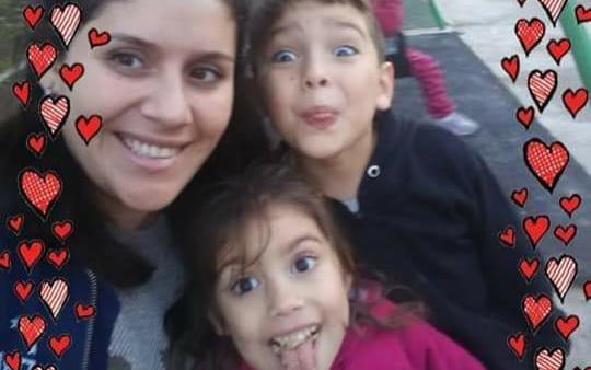 Una mujer policía mató a sus dos hijos y se suicidó con su arma dentro de un auto en Parque San Martín