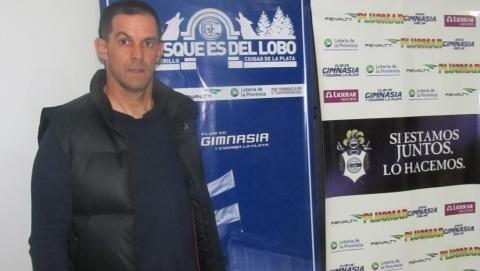 Víctor Bernay no es más el ayudante de Pedro Troglio
