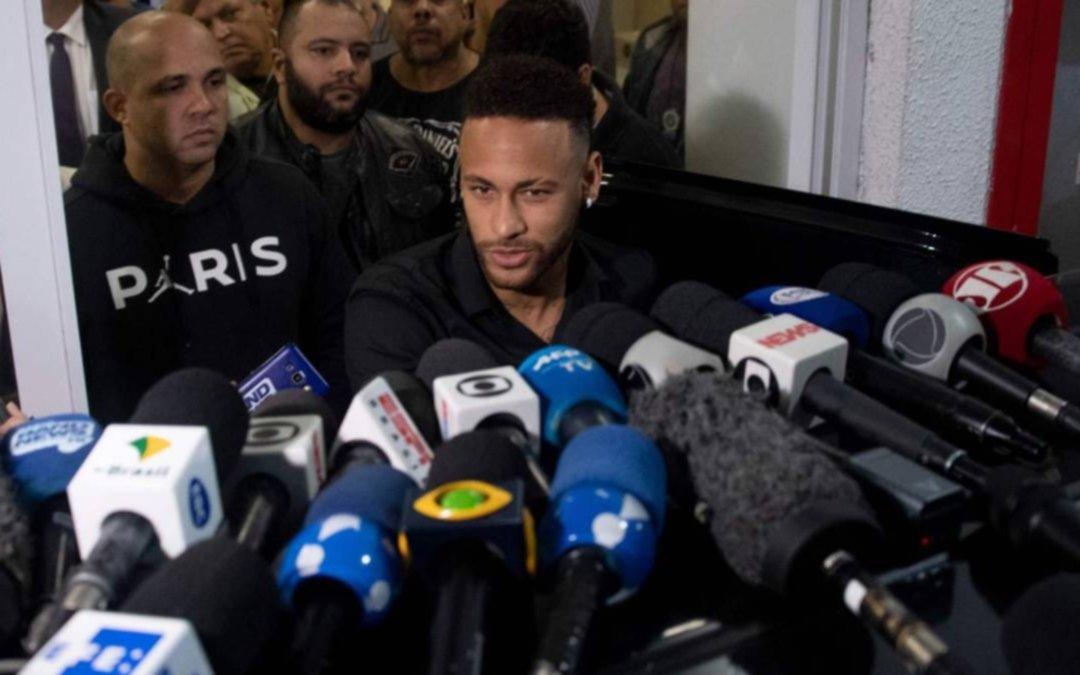 En la previa de la Copa, Neymar estuvo cinco horas declarando en la Policía