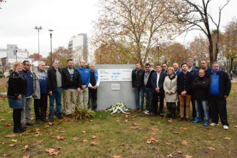 Homenaje a los caídos en Malvinas