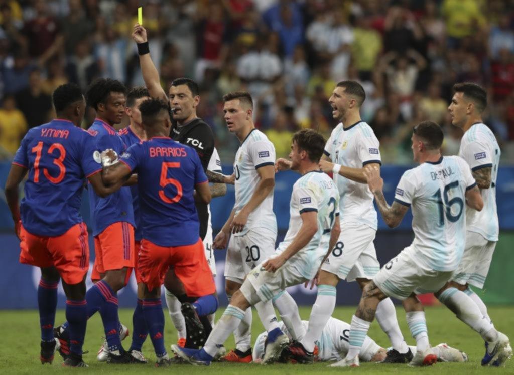 Enojo y tumulto tras una dura infracción a Messi