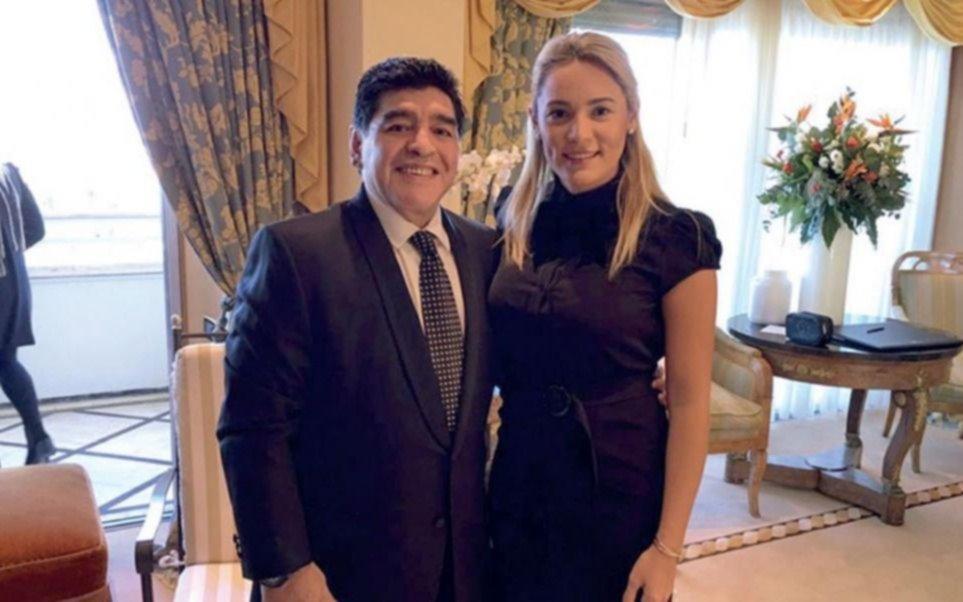 ¿Se casan Diego Maradona y Rocío Oliva?