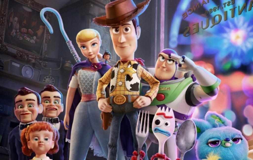 """La invasión de los muñecos: """"Toy Story 4"""" copa los cines platenses"""