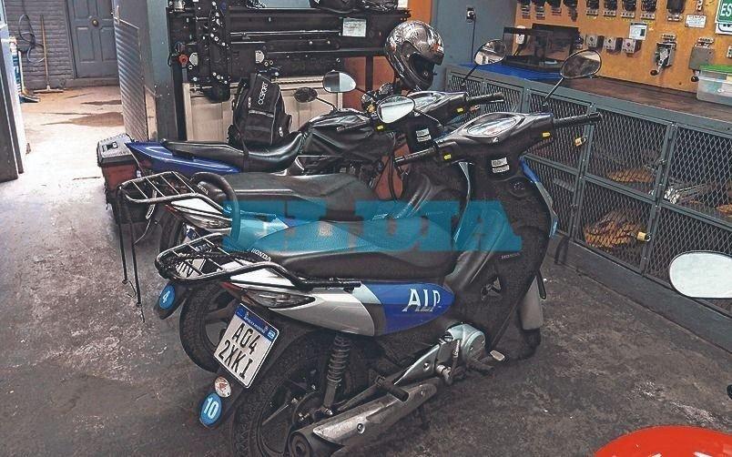 Roban cuatro motos a una empresa de mantenimiento deascensores en Los Hornos