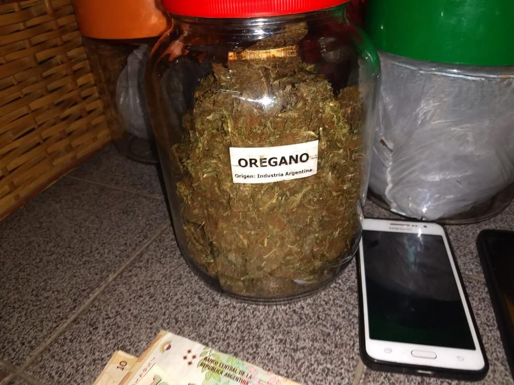 Ingrediente especial: el particular código que utilizaba pizzería argentina para vender marihuana