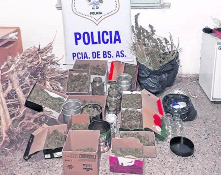 Secuestran más de cinco kilos de marihuana en Ensenada