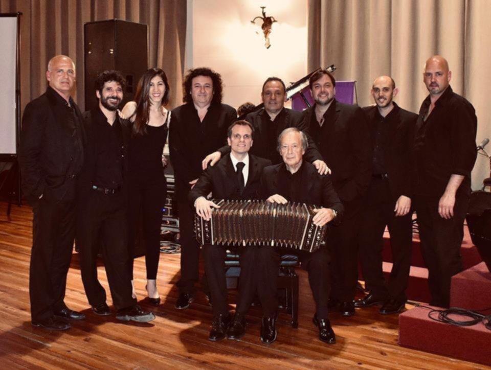 """Platenses de exportación: la compañía """"Tango Sin Fronteras"""" inicia una gira por Alemania"""