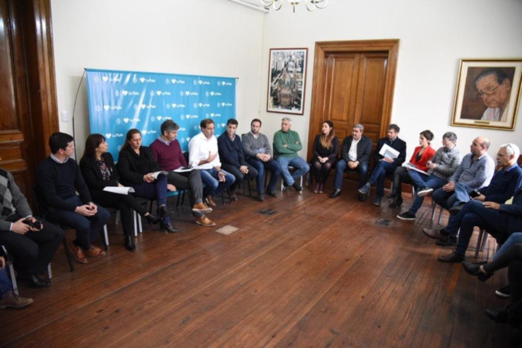 Garro reunió a sus candidatos y bajó línea de cara a la campaña