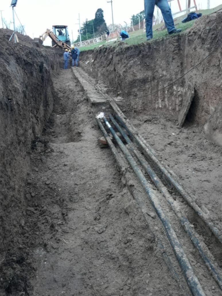 Detectaron una perforación en el cable de alta tensión que desató el enorme apagón