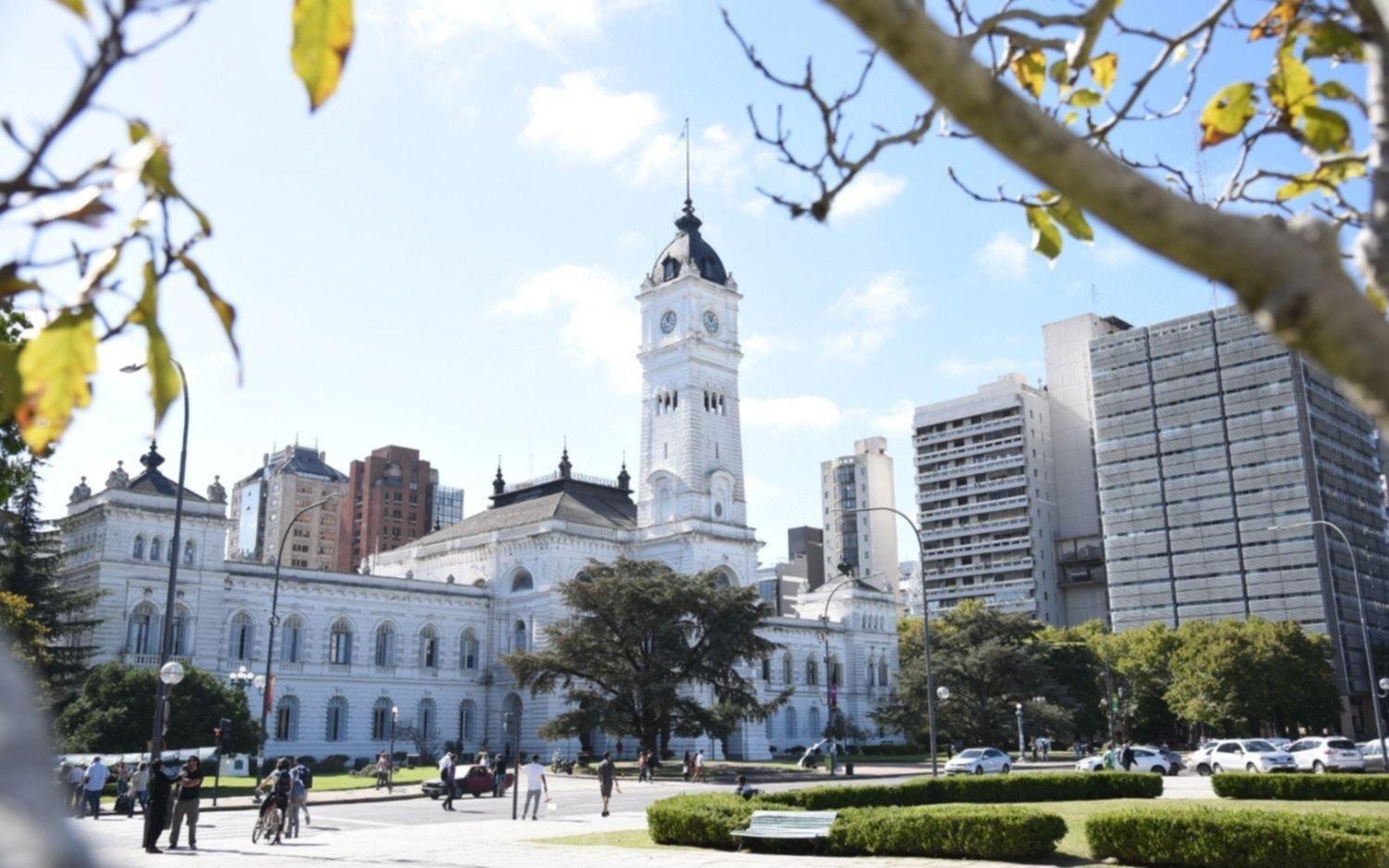 """Funcionamiento de los servicios municipales por el """"Día del Trabajador del Estado"""""""
