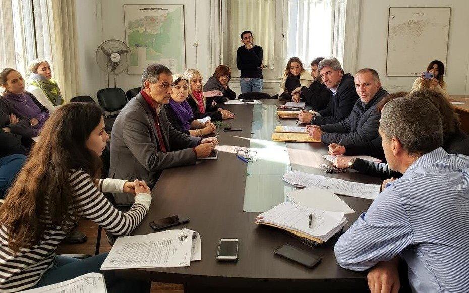 El Concejo aprobó la condonación de las deudas de Estudiantes y Gimnasia con el Municipio