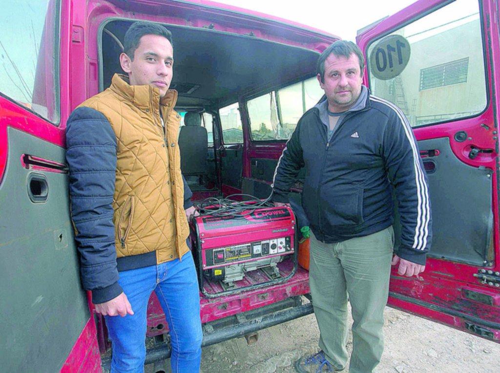 Pablo, el vecino que salió con su generador a abastecer de energía a los damnificados